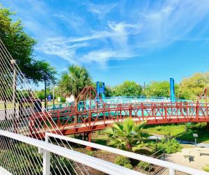 Cancer Survivor Park Jacksonville, FL Bridges